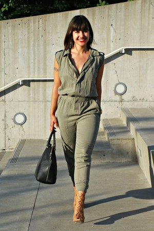 green Zara jumper - tan Zara heels - silver bracelet