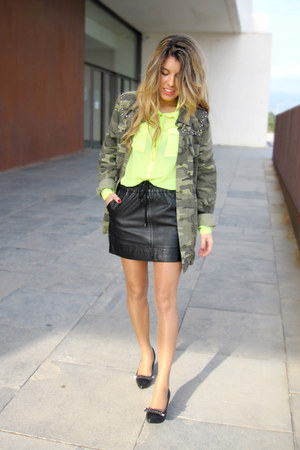 camouflage Zara shirt - neon BLANCO shirt - leather Mango skirt