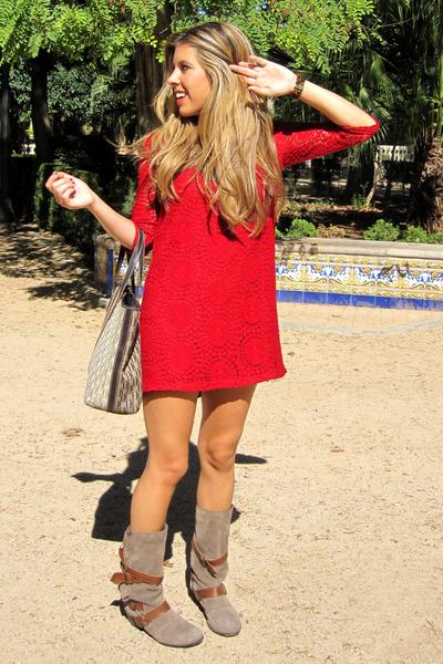 Zara dress - Carolina Herrera bag - Michael Kors watch