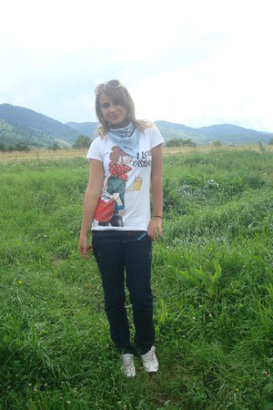 sky blue scarf - navy Gucci jeans - white Forever 21 t-shirt
