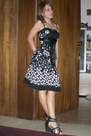 Mango dress - Forever 21 heels