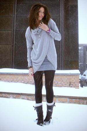 heather gray Geztus sweater - heather gray Monki dress - black sendra boots - pu