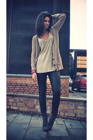 tan Zara cardigan - heather gray t by alexander wang top - black BikBok pants -