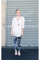 light pink Urban Outfitters shoes - navy Target leggings - white H&M top - magen