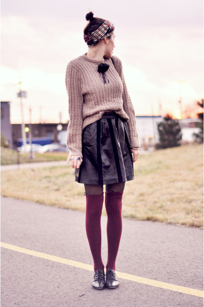 vintage sweater - leather vintage skirt - vintage flats