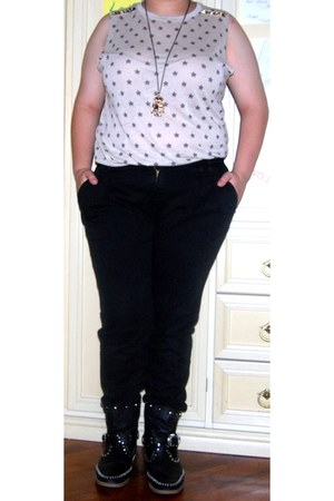 Pull & Bear top - Zara pants - Bijoux Brigitte necklace