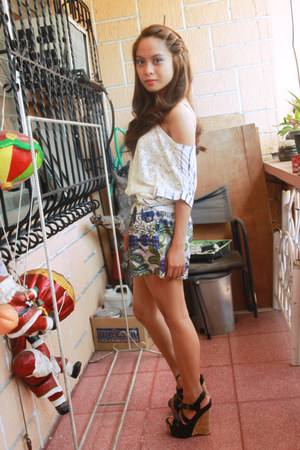 printed shorts Bizaare shorts - So Fab wedges