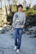 gray BLANCO t-shirt - blue Pull and Bear jeans - white Pull and Bear shoes