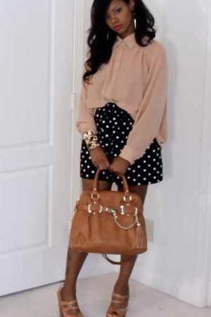 black polka dot skirt - camel tote gold trim Steve Madden bag - salmon blouse