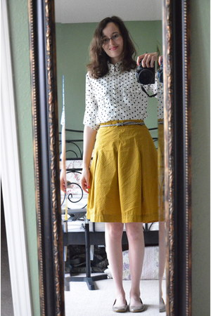 mustard polka dot merona skirt - beige Steve Madden flats