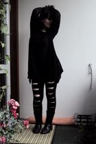 black seppl leggings - black seppl boots - black 2nd handGina Tricot shirt - nec