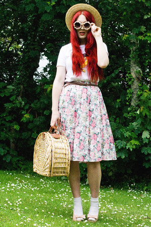 vintage skirt - bird shirt - picnic basket bag - diy floral sunglasses