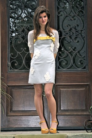 heather gray bldn boutique BLDN dress - gold mustard yellow Dee Keller shoes