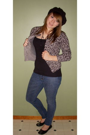 black Target hat - black Icing necklace - gray Forever 21 sweater - black kohls
