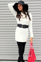 black Express leggings - ivory H&M sweater - ruby red Dooney & Bourke bag