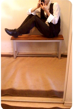 Forever21 vest - Dexter shoes - Heritage shirt - H&amp;M tie - Majora pants