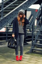 red suede Zara boots - gray skinny Zara jeans - charcoal gray beanie H&M hat