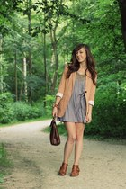 nude H&M blazer - brown flat boots Sacha boots