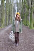 mustard wool H&M hat - dark brown vintage vintage boots