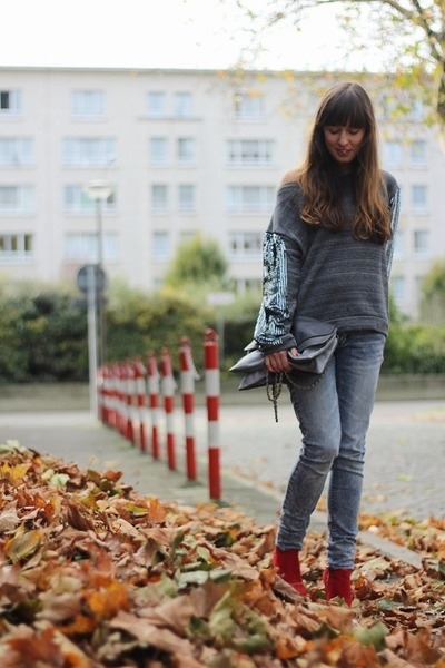 heather gray sequin essentiel sweater - red booties Zara boots