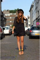 black long sleeve Pull & Bear dress - black round Topshop hat