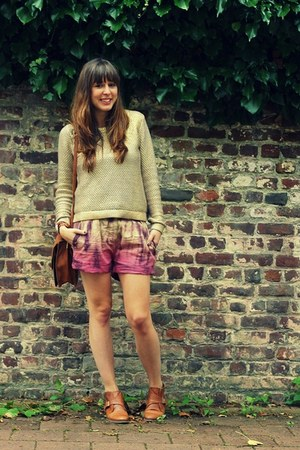 maroon tie dye maison scotch shorts - brown leather Sacha boots