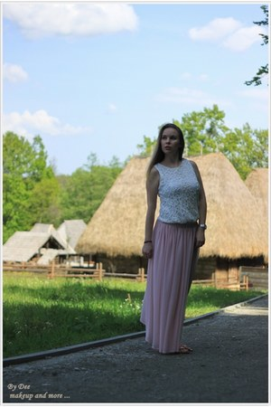 pink Chicwish skirt - Romwecom top