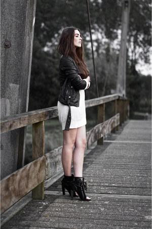 black freja Alexander Wang boots