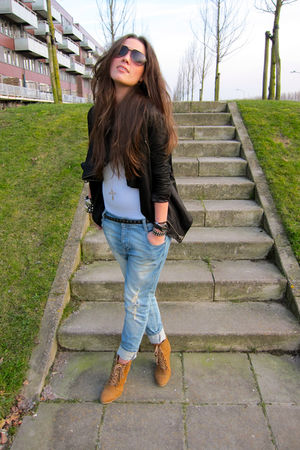 black drape Muubaa jacket - brown wedges Zara boots - blue killah jeans