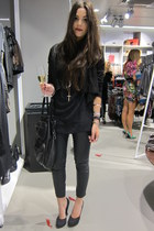 black Topshop pants - black Topshop top - black Muubaa jacket - black H&M shoes