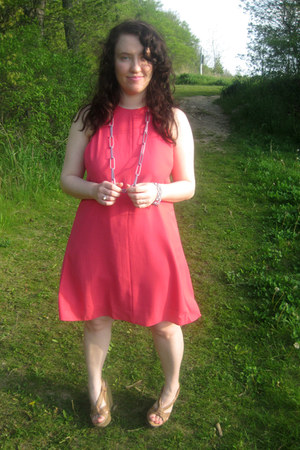 bubble gum asos dress - camel Blowfish wedges - pink baublebar necklace