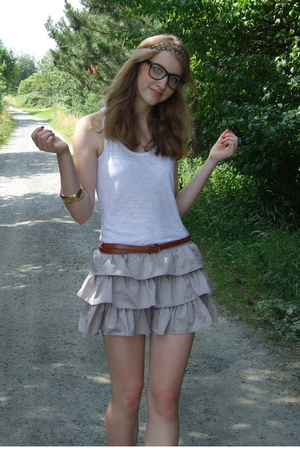 H&M shirt - H&M skirt - Primark belt - Claires glasses - Accesoirize accessories