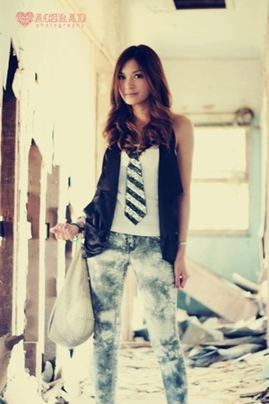 black vest - gray jeans - beige Oroton accessories - white shirt