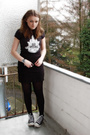 Black-bella-t-shirt-black-h-m-skirt-black-converse-shoes-black-guess-acces