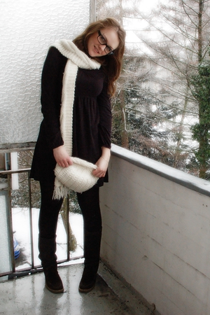 black Esprit dress - brown SOliver boots - white H&amp;M hat - white H&amp;M scarf