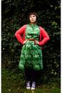 Purple-veritas-tights-green-t2-vintage-dress-navy-t2-vintage-coat