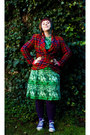 Purple-veritas-tights-green-t2-vintage-dress-navy-t2-vintage-coat