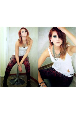 Wilchickse leggings - vintage paramore top