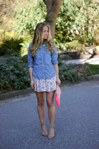 periwinkle chambray American Eagle shirt