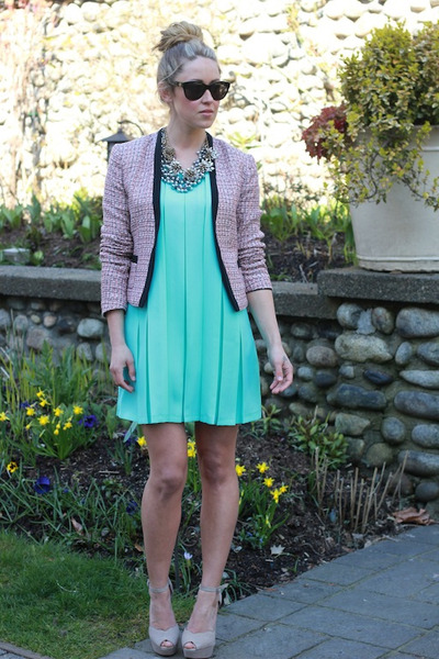 aquamarine pleated Queens Wardrobe dress - beige chloe Shoe Mint heels