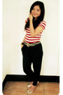 Red-zara-top-black-pants-gold-rubi-shoes