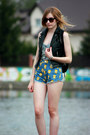 blue Choies shorts - black stylepit vest