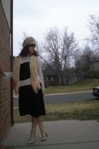 Michael Kors skirt - James Perse shirt - Arianne intimate - Rebozo from Patzcuar