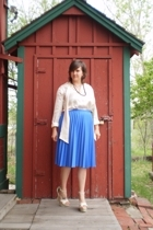 vintage skirt - Secondhand blouse - Cathy Jean shoes - street vendor in Avignon