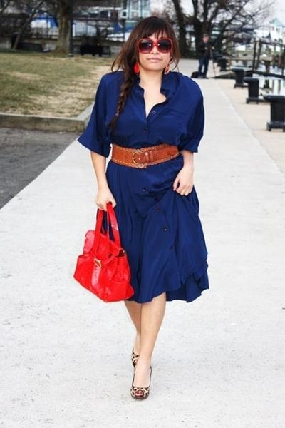 blue vintage dress - red Nine West purse - Steve Madden shoes - red