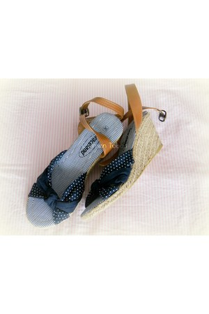 polka dots dots deichman sandals