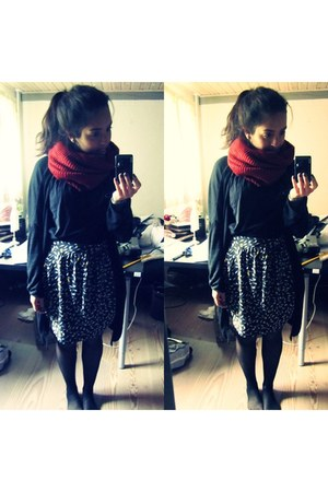 ruby red H&M scarf - black Monki top - black Nmph skirt - black H&M cardigan