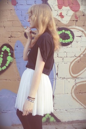 tulle Bershka skirt - rock H&M ring - no name t-shirt