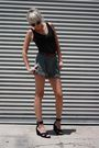 Black-vintage-top-green-jones-new-york-shorts-black-h-m-shoes-brown-vintag