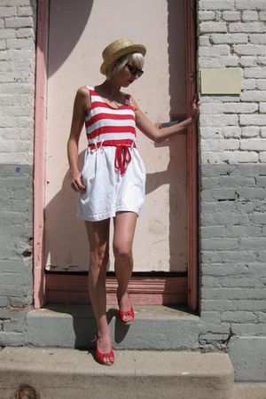 beige BDG hat - red wedges C Ronson shoes - white nautical romper vintage shorts